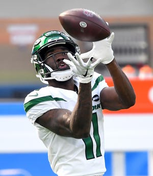 Nov 22, 2020; Inglewood, California, USA;  New York Jets wide receiver Denzel Mims (11) warms up before a game against the Los Angeles Chargers at SoFi Stadium. Mandatory Credit: Jayne Kamin-Oncea-USA TODAY Sports