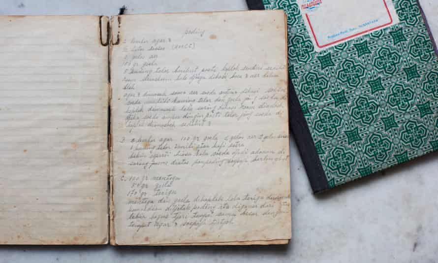 Lara Lee recruited her aunties and great aunties to help make the recipes from her grandmothers recipe books